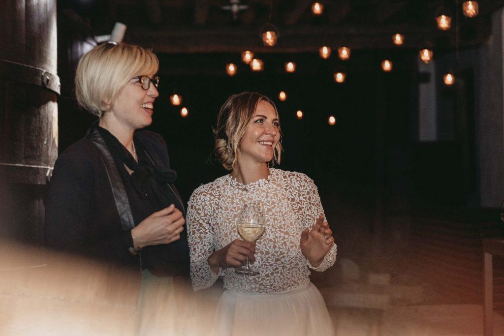 sposa con amiche balli discoteca matrimonio pordenone villa brandolini vistorta