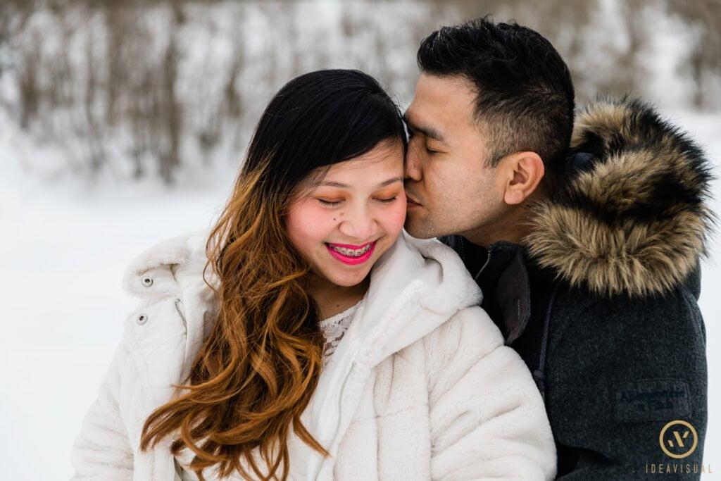 servizio fotografico di maternita sulla neve